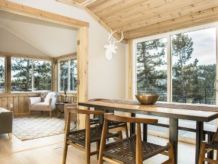 SUMMER SPECIAL: Luxury, Mountain Escape In Beautiful Evergreen