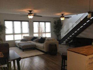 Contemporary condo located in Historical downtown Saugatuck!