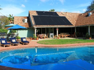 4 Bedroom Ranch Style Home Pool + Pets Universal