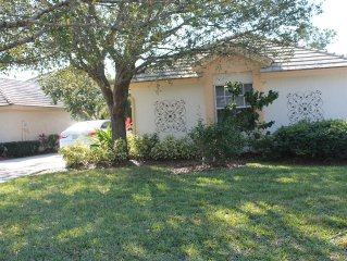 Beautiful 3 Bedroom Home With Pool And Jacuzzi In Golf Community Close To Ocean