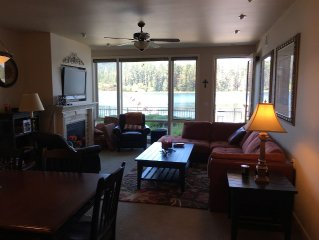 Beautiful Waterfront Condo With Spectacular Views