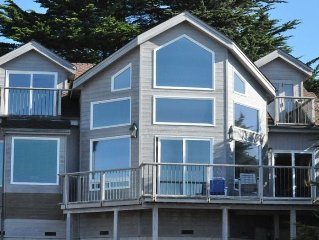 Pacific Ocean Front, Private, Romantic, Whale Watch from Deck!