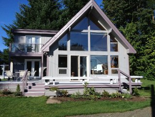Comfy Hood Canal Home - Beautifully Updated for Your Down to Earth Luxury
