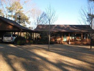 Bama Lake House on Lake Tuscaloosa Near Ua Campus