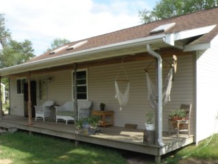 CENTRALLY LOCATED BETWEEN PETENWELL AND CASTLE ROCK LAKES