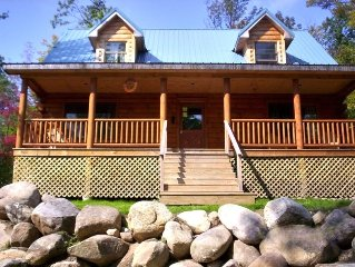 Adirondack 'Bearfoot' Cabin - Minutes to Whiteface!!