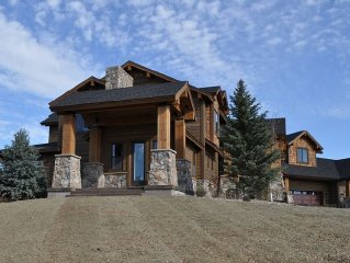Luxury Lodge, 8,000 sq. ft., 9 bdrms, for the Ultimate Get-Together