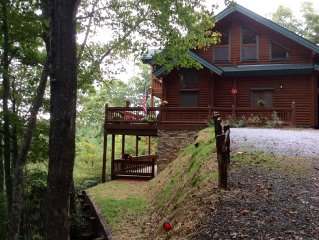 Rustic elegance in this Honka log home. Now pay online!