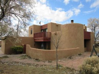 Extended Ski Season Special!!  Immaculate 3BR Casita. Close to Ski Valley!