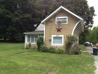 Sister Cottages On 4 Acres In Beautiful Saratoga Springs