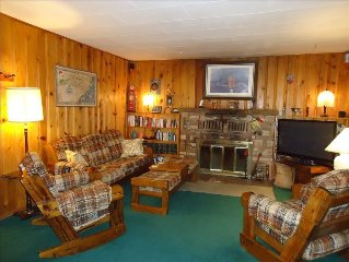 All wood 1960 cabin--charming, quiet, isolated:  but minutes from everything