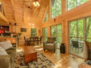2016 Newly Constructed Cabin Minutes From Downtown Gatlinburg!