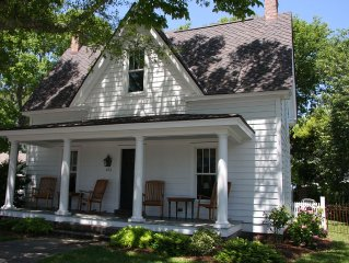 Quaint Fully Restored Historic Family Friendly Home in downtown Beaufort