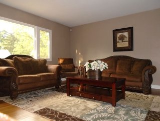 2.2 Miles From Notre Dame, Shopping And Downtown Attractions