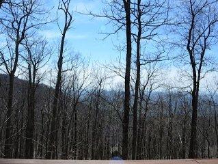 Mountain Chalet Close In Quiet Cul de Sac Near Resort