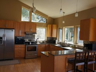 Luxurious Home W/ Bay & Ocean Views - 2 of 3 Bdrms Masters!