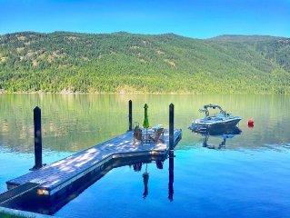 Fabulous Lake Front Family Cottage on Spectacular Christina Lake B.C.