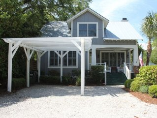 Beach Cottage with Heated Spa & Private Pool-Pet Friendly