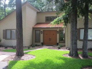 Pet Friendly, 3 Bedrooms, 2 Baths, Beautiful Golf Course View