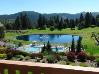 GOLF?  LOCATED ON 14TH FAIRWAY, 2 POOLS, 3 HOT TUBS, WALK TO THE VILLAGE, VIEWS