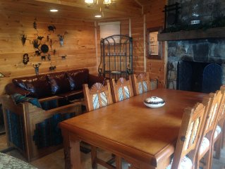 Beech Mountain Ski In/Ski Out with awsome deck views. Chalet Totally updated