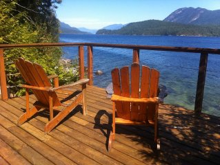 Ocean Front, Spectacular Views, Minutes From Sechelt, a Sunshine Coast Hub!