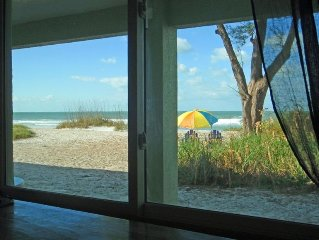 Directly on the Beach! Beautiful Ground Floor Condo