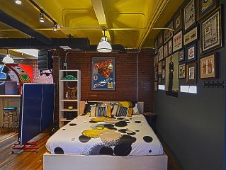 Loft Carriage House On The Capitol! Sleeps 6-8 Great Open Space