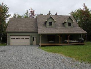 5 Bedroom Home Just Over a Mile from Jay Peak Resort. - Winter Mid-Weeks $350/nt