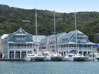 Luxury Marigot Bay Marina Apartment (seen on TV) includes 5* Resort facilities!
