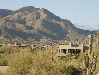 Luxury Desert Mountain Cottage with Valley Lights and Mt Views