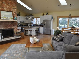 Privacy and Comfort Minutes from National Seashore and Bay Beaches