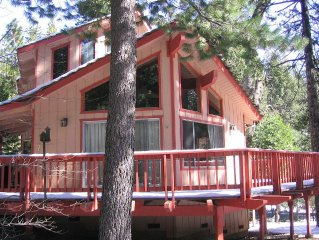 Walk to Lodge & lake! FUN-Excellent location! Blue Lake Springs Family Cabin
