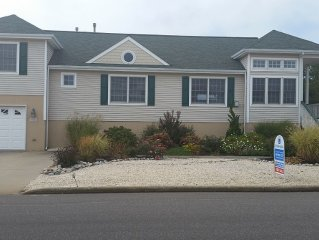 Beautiful 4 bedroom, 2.5 bath, bayside home for rent.