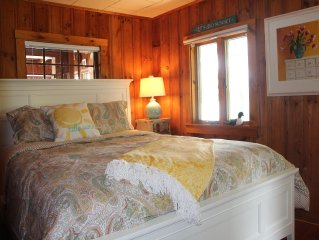 Charming Waterfront Cottage On Pristine Merrymeeting Lake w/outstanding reviews