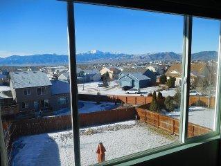 Million Dollar Pikes Peak, Front Range, City Lights Views Only 10 Minutes to AFA