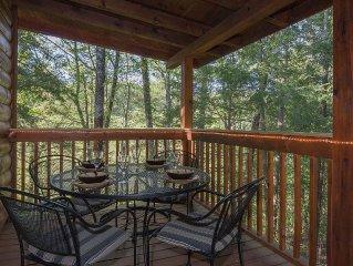 Romantic Cabin Near Fishing Pond-Screen Porch-Hot Tub-WiFi-Pets OK-Privacy