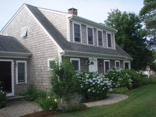 Beautiful 3 Bedroom Cape Home Easy Walk to Beach/Harbor