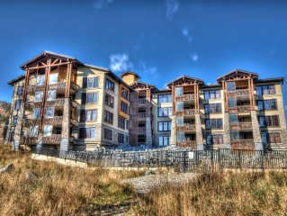 New 3 BR Luxury Condo on Mountain with Hot Tub - from $119