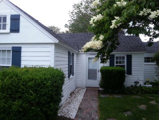 Adorable 2 BR Pine Point Cottage - Walk to Beach