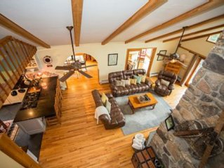 Book now for Spring skiing! Updated Modern classic log home,16acres ,creek, pond