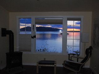 Waterfront Studio on Chuckanut Drive - Private &