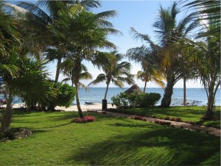 Beautiful, Affordable Oceanfront Villa - Relaxing, Peaceful, Secure