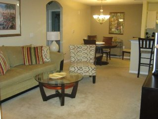 Lakewood Ranch Lakeside Condo Close to Shops and Restaurants