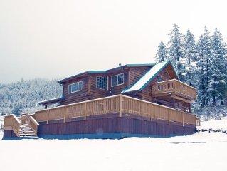 LOST CREEK CABIN, Log Cabin Near Crater Lake, Rogue River, and Lost Creek Lake
