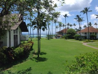WHITE WATER OCEAN VIEW CLOSE TO BEACH, UPSTAIRS END UNIT, FREE TENNIS/FITNESS