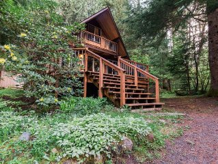 Secluded Cabin, Hot Tub, Sauna, Wood Stove, WIFI, Paradise