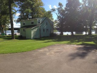 LAKEFRONT COTTAGE WITHIN WALKING DISTANCE TO ALL OF BEMUS POINT'S ATTRACTIONS