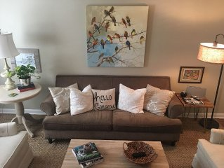 Book now for Spring 2017 events!  2 BR Condo Walking Distance to Square