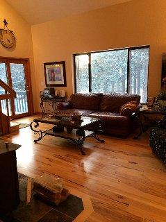 Warm, Wonderful Walden 5 Bedroom, 3 Bath Home With Gourmet Kitchen